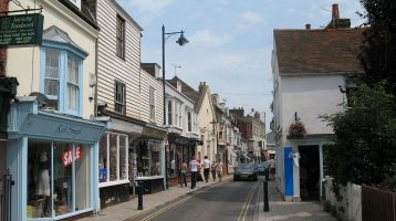 What makes Whitstable town a desirable place to live?